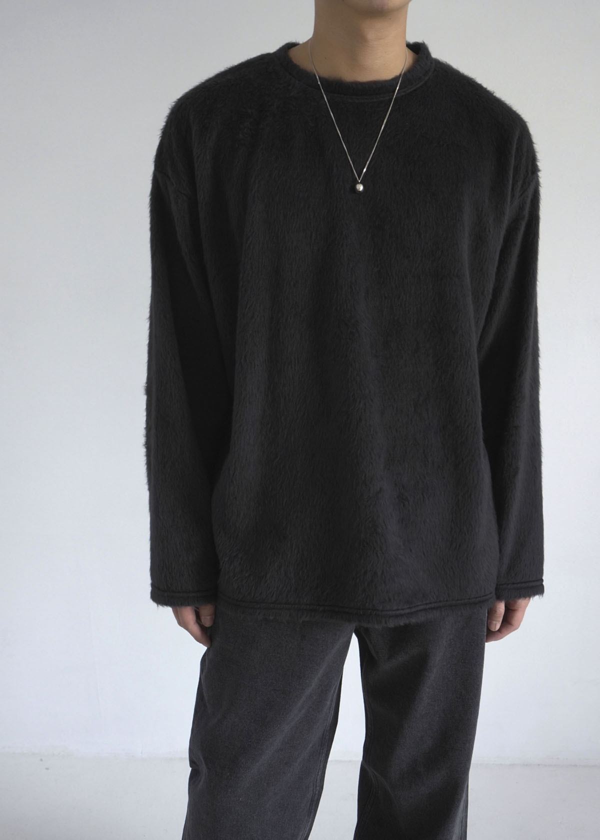 Fur Long Sleeve Tee (Black)
